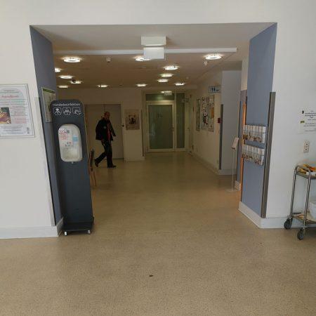 Bodenbelagsarbeiten Designplanken im Krankenhaus Bad Malente Raumausstatter 01